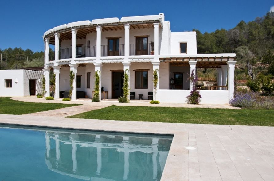 Attractive 6 bedroom Finca for sale San Lorenzo Ibiza with guest house