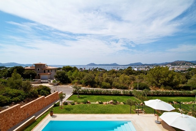 Stunning 4 bedroom villa with views over Pollensa Bay, Mallorca