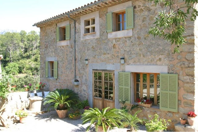 Romantic Mallorquin finca for sale with mountain and valley views in Soller, Mallorca