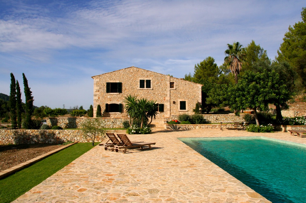 Beautiful Mallorcan Country House for sale with views over Pollensa Bay