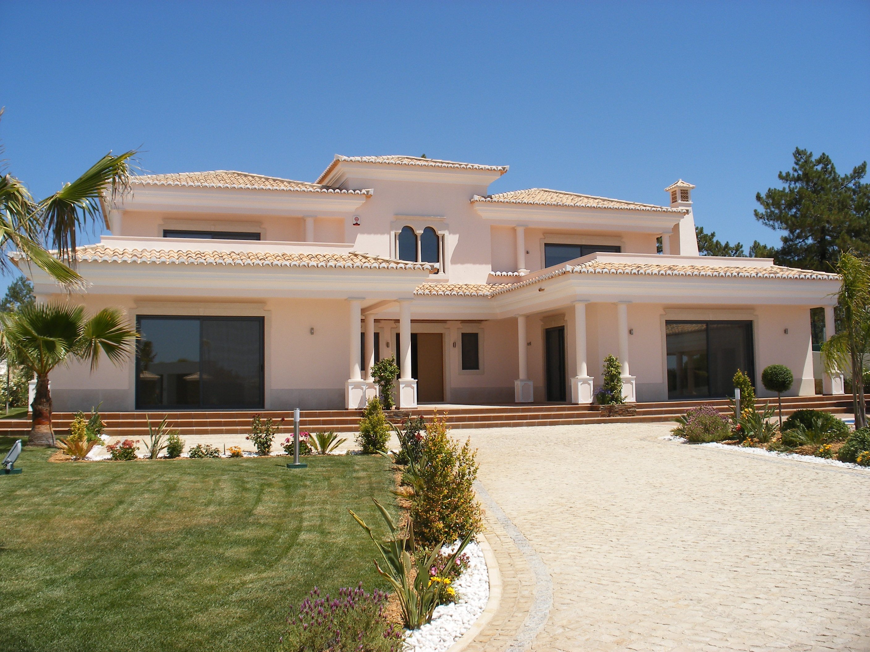 Vale do lobo luxury villas and houses for sale over 1 for Luxury beachfront property for sale