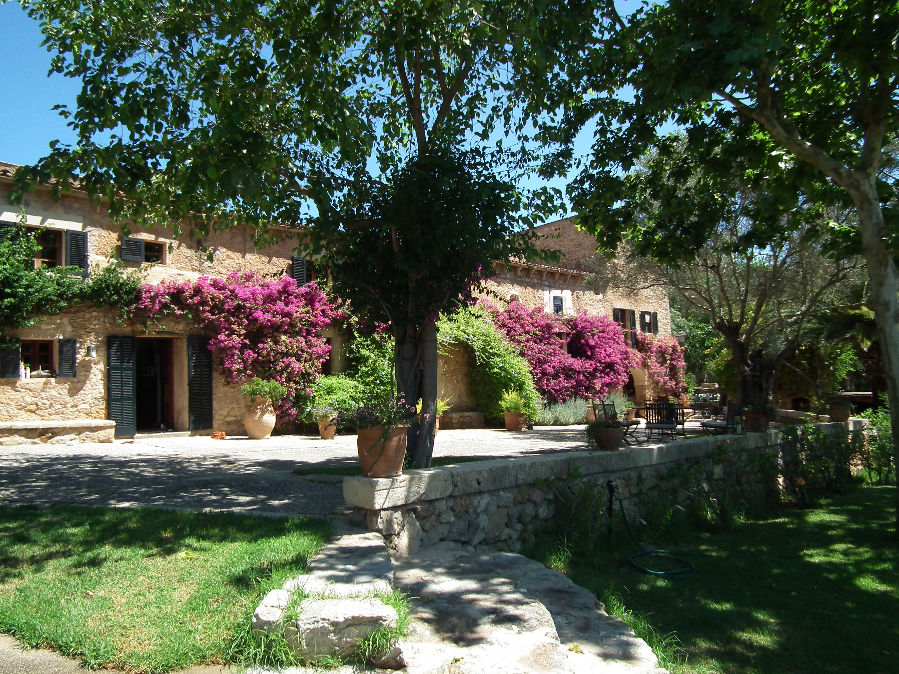 Luxury estate on Mallorca with large stone house set in 140.000sqm plot