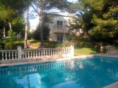 Luxury holiday home close to the beach for sale in Cala Ratjada, Mallorca