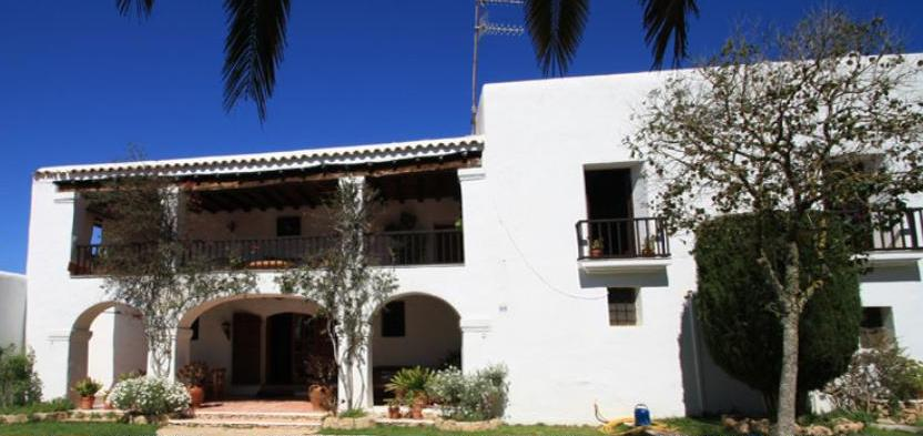 Ibiza farm estate for sale with 20 acres and guest houses for Houses for sale with guest house on property
