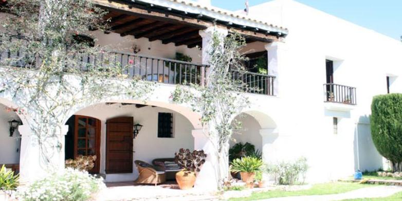 Ibiza farm estate for sale with 20 acres and guest houses for Homes for sale with guest house