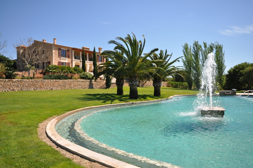 Impressive luxury country house for sale in Santa Maria Mallorca