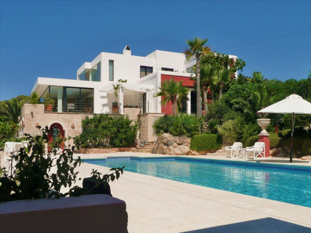 Luxury estate with guest house for sale in ibiza luxury for Modern houses in spain