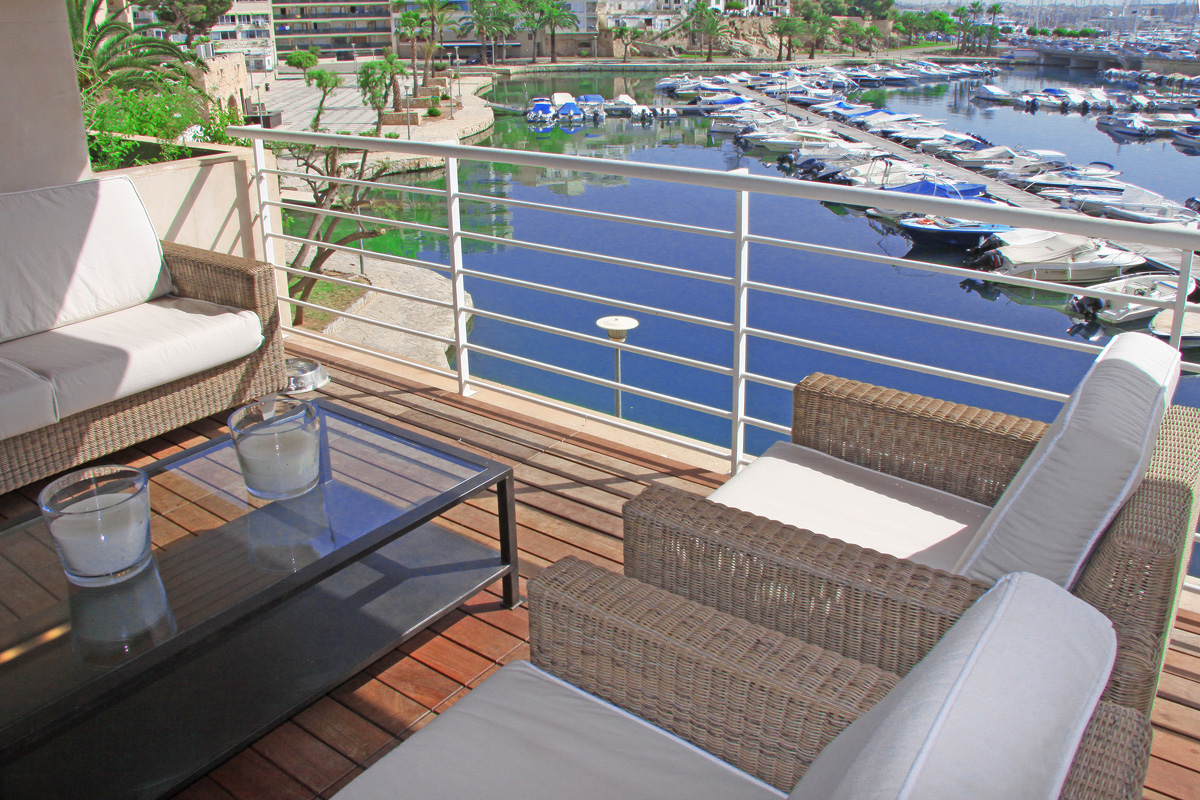 Elite duplex apartment for sale in Palma overlooking the Marina