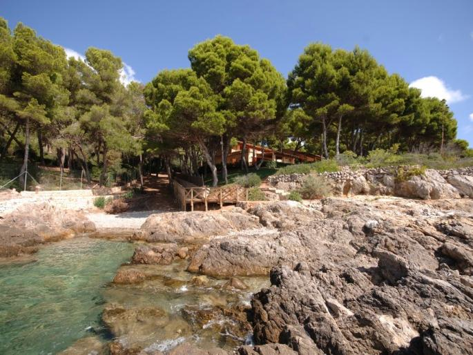 Direct sea access property for sale in Costa de los Pinos, Mallorca