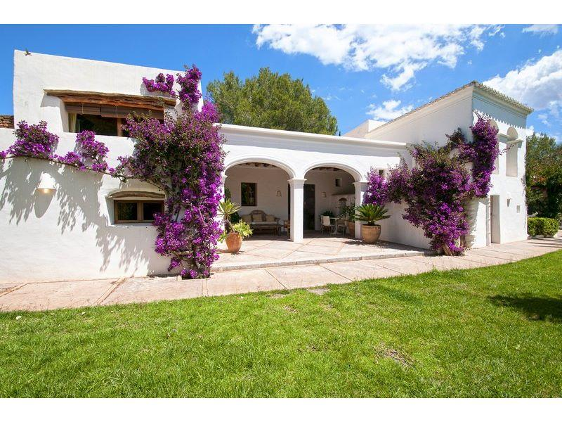 Luxury home with guest accommodation for sale in San Lorenzo, Ibiza