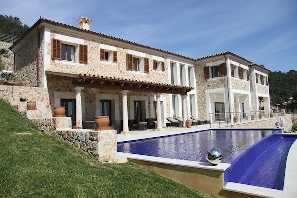 Luxury newly built villa for sale close to golf in Pollensa