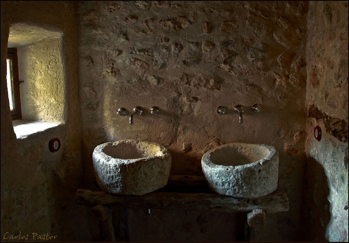Index of wp content gallery old ibiza finca and farm for Antique stone sinks for sale