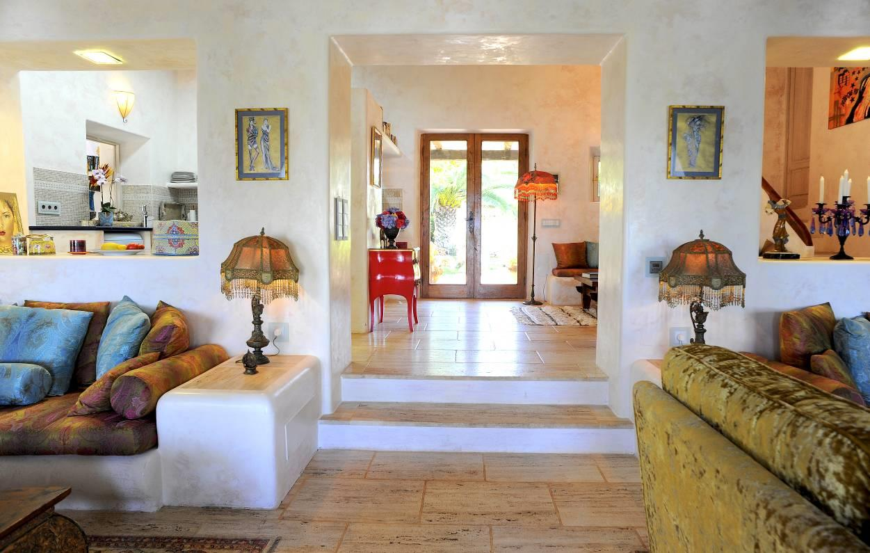 Rustic ibiza finca for sale in a country estate setting for Ibiza classic house