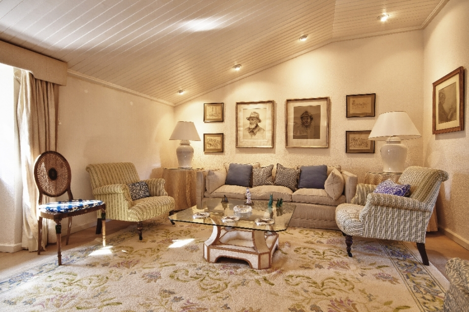 Traditional old stone finca mansion for sale manacor for Old home interior pictures for sale