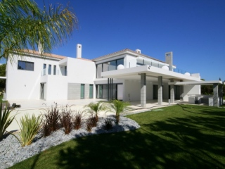 Algarve €5,500,000Quinta do LagoNewly built luxury villa in the Golden Triangle with Jacuzzi, Sauna & Gym…